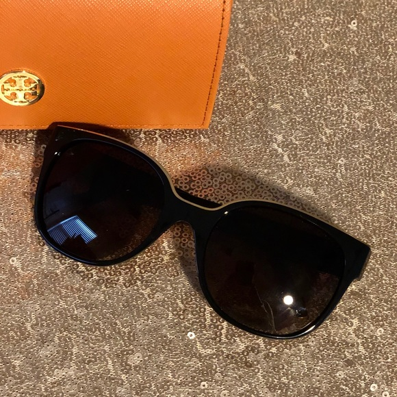 6f6db582bd Tory Burch Cat Eye Sunglasses (Style TY9042). M 5c3bafe60cb5aae1da9c6975